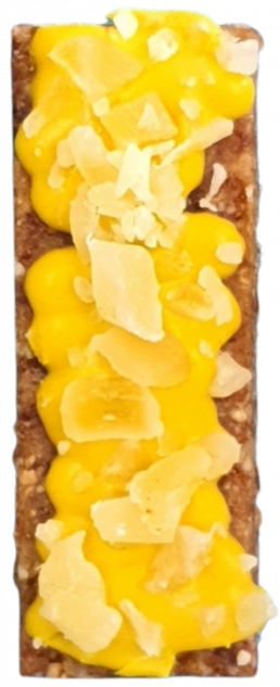 eating clean pineapple